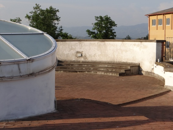 Rooftop seating at the Istituto Tecnico C Cattaneo (High School), San Miniato.
